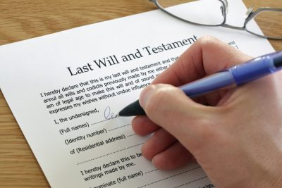 person signing last will and testament